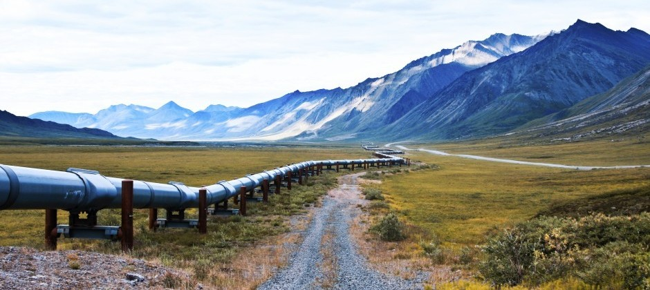 Entegra pipeline integrity management ensures this pipeline next to a road functions effectively